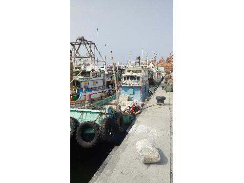 里報.tw-蚵仔寮漁港
