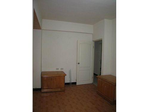 五甲公寓一樓附家具電