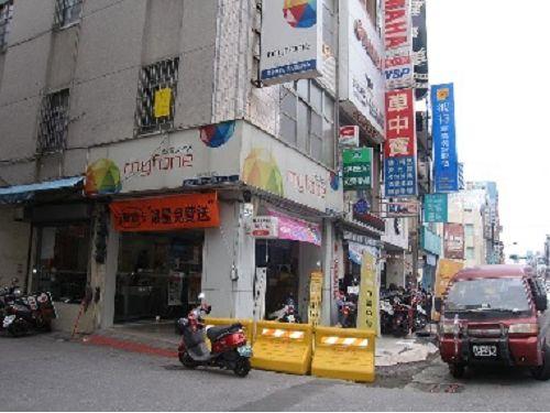 中華三路2-4樓店住