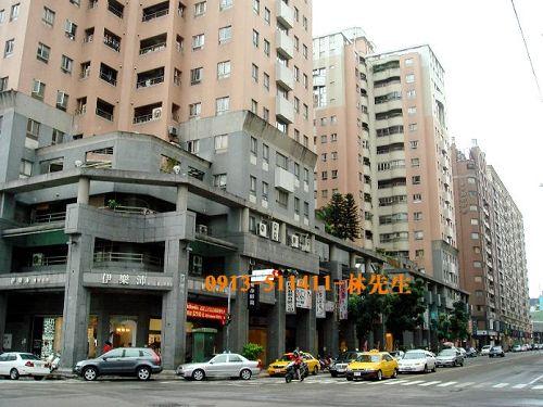 東龍尊邸-公益美食街
