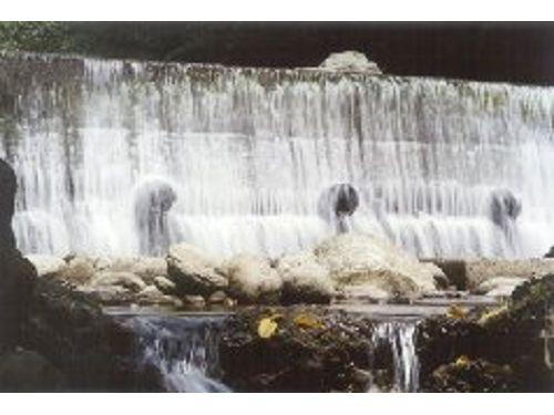 里報.tw-鴛鴦谷瀑布