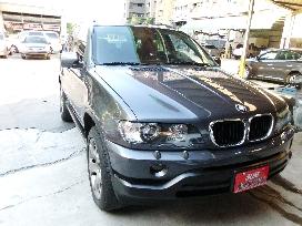 BMW X5 頂級轎式休旅車