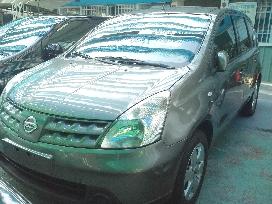 日產5人座 轎式休旅LIVINA