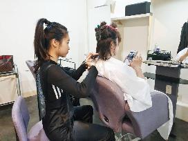 美髮不二刀  高市勞工局助金牌視障美髮師成功創業