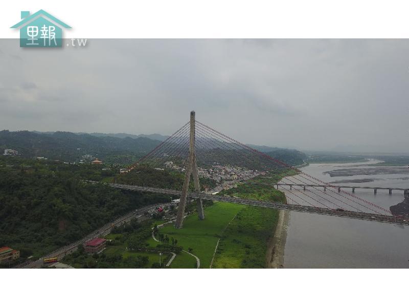里報.tw-南二高斜張橋