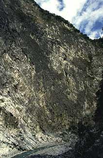 里報.tw-錐麓大斷崖